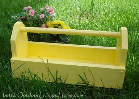 Garden Caddy Just in Time For Summer Gardening DIY Project