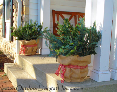 Quick and easy outdoor christmas decorations ideas for for Simple outdoor christmas decorations