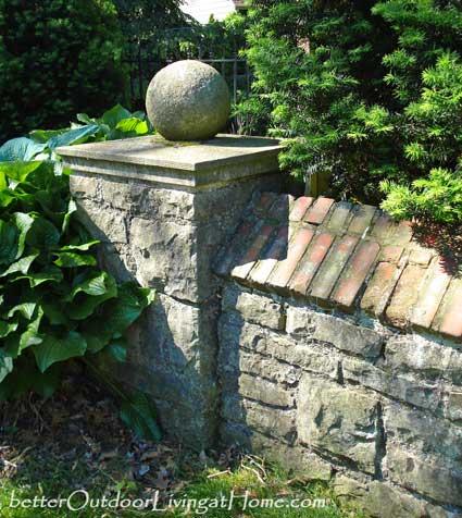period-stone-wall-column